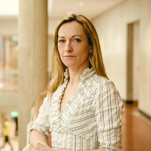 Dr. Isobel Cunningham