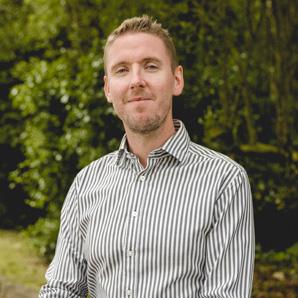 Dr. Simon Stephens